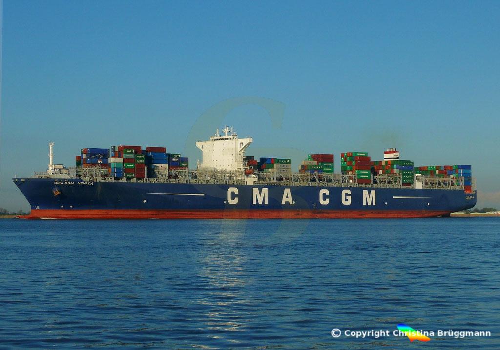 Containerschiff CMA CGM NEVADA, Elbe 19.04.2017, BILD 4
