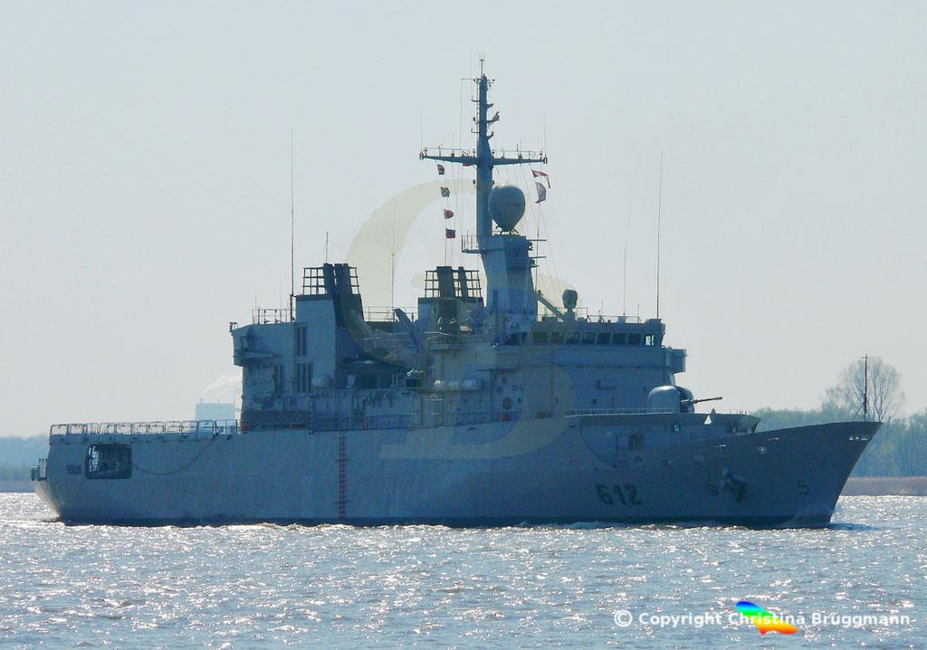 Marokkanische Fregatte HASSAN II (F-612), Elbe 15.04.2019,  BILD 1