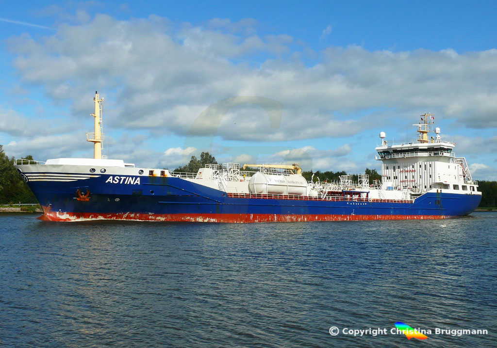 Öl- u. Chemietanker ASTINA, Nord-Ostsee Kanal25.09.2018,  BILD 4