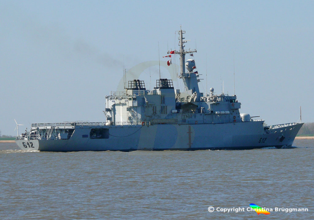 Marokkanische Fregatte HASSAN II (F-612), Elbe 15.04.2019,  BILD 5