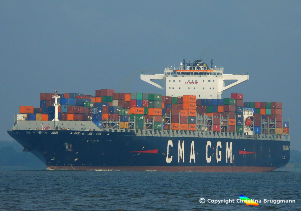 Containerschiff CMA CGM MUMBAI, Elbe 18.07.2018,  BILD 1
