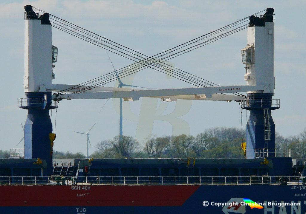 Bulk Carrier HANZE GENDT, Kräne 30 t, Elbe 10.04.2019,  BILD 6