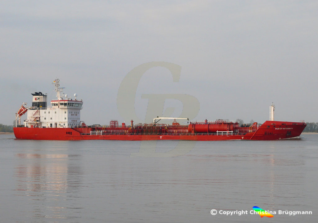 Chemie- / Produkttanker DUZGIT INTEGRITY, Elbe 14.04.2019,  BILD 4