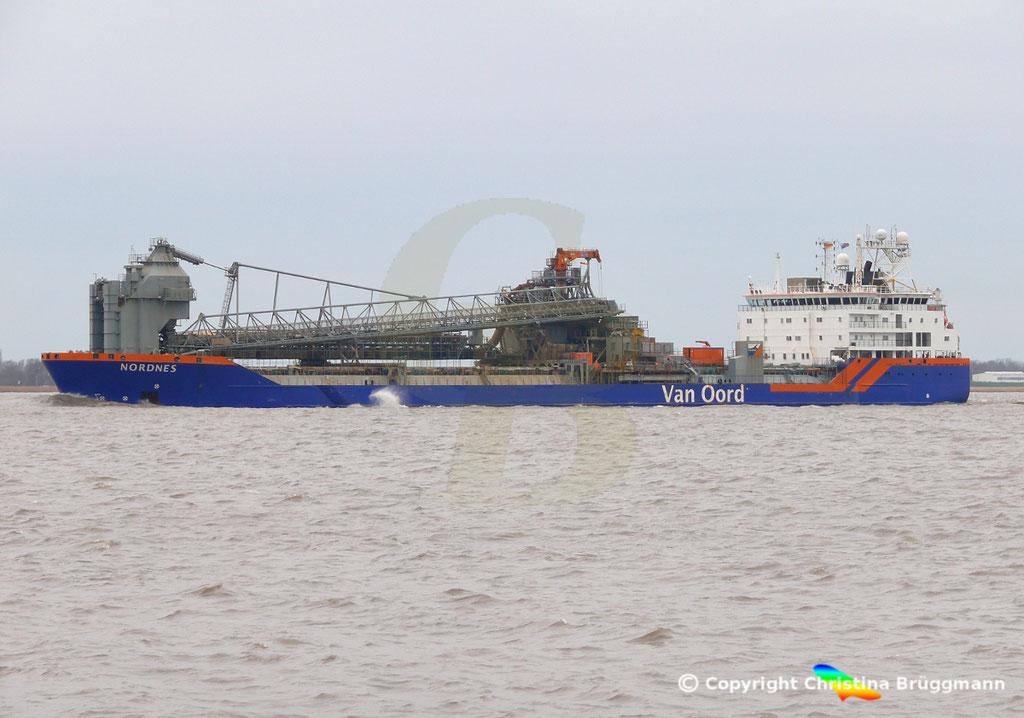 Fallrohrschiff/ Bulkcarrier NORDNES, Elbe 06.03.2019,  BILD 3