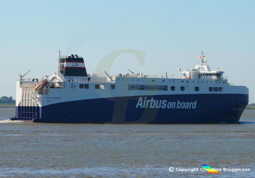 High Heavy Vehicle_ Ro-Ro Carrier CITY OF HAMBURG, Elbe 18.09.2018, Bild 2