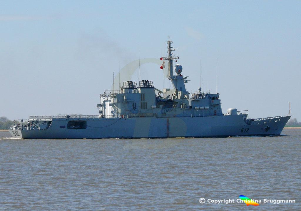 Marokkanische Fregatte HASSAN II (F-612), Elbe 15.04.2019,  BILD 4