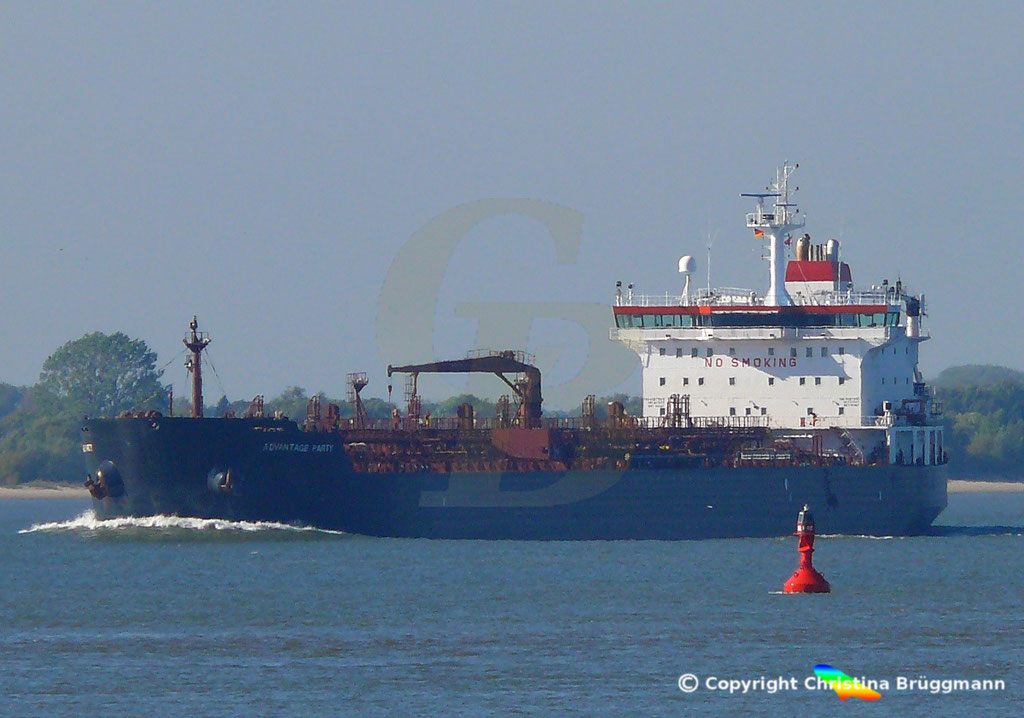Tanker ADVANTAGE PARTY, Elbe 05.10.2018,  BILD 1
