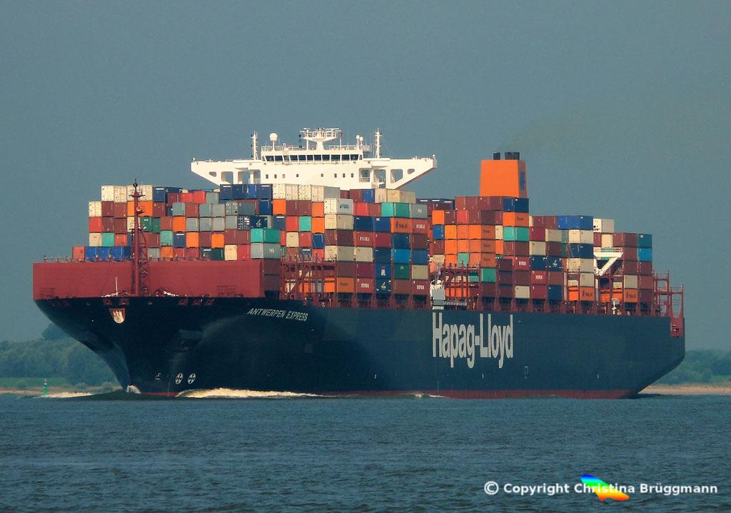 Hapag-Lloyd Containerschiff ANTWERPEN EXPRESS, Elbe 21.08.2015, BILD 1
