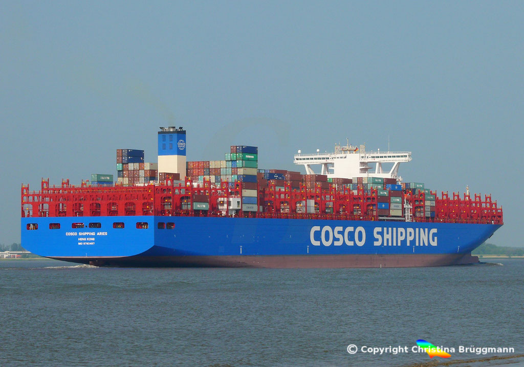 Containerschiff COSCO SHIPPING ARIES, Elbe 15.05.2018, BILD 5