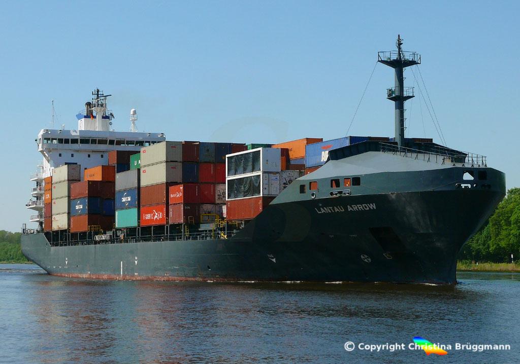 Containerschiff LANTAU ARROW, Nord-Ostsee Kanal 09.05.2018,  BILD 1