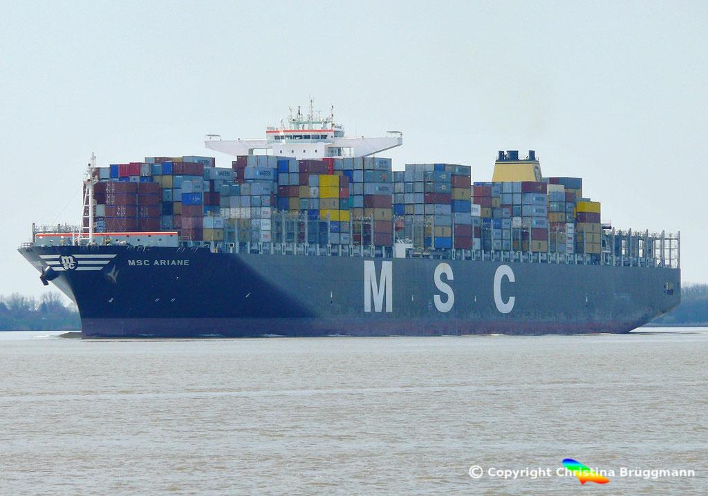 """Containerschiff """"MSC ARIANE""""  Elbe 18.04.2015 / BILD 2"""