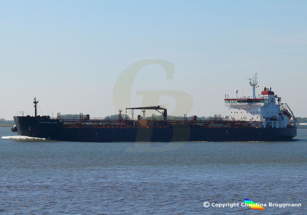 Tanker ADVANTAGE PARTY, Elbe 05.10.2018,  BILD 4
