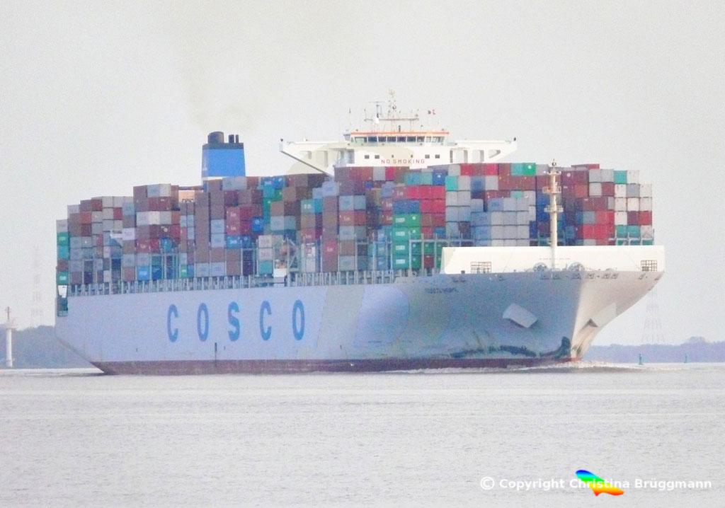 "Containerschiff ""COSCO HOPE""Elbe 07.2013, BILD 1"