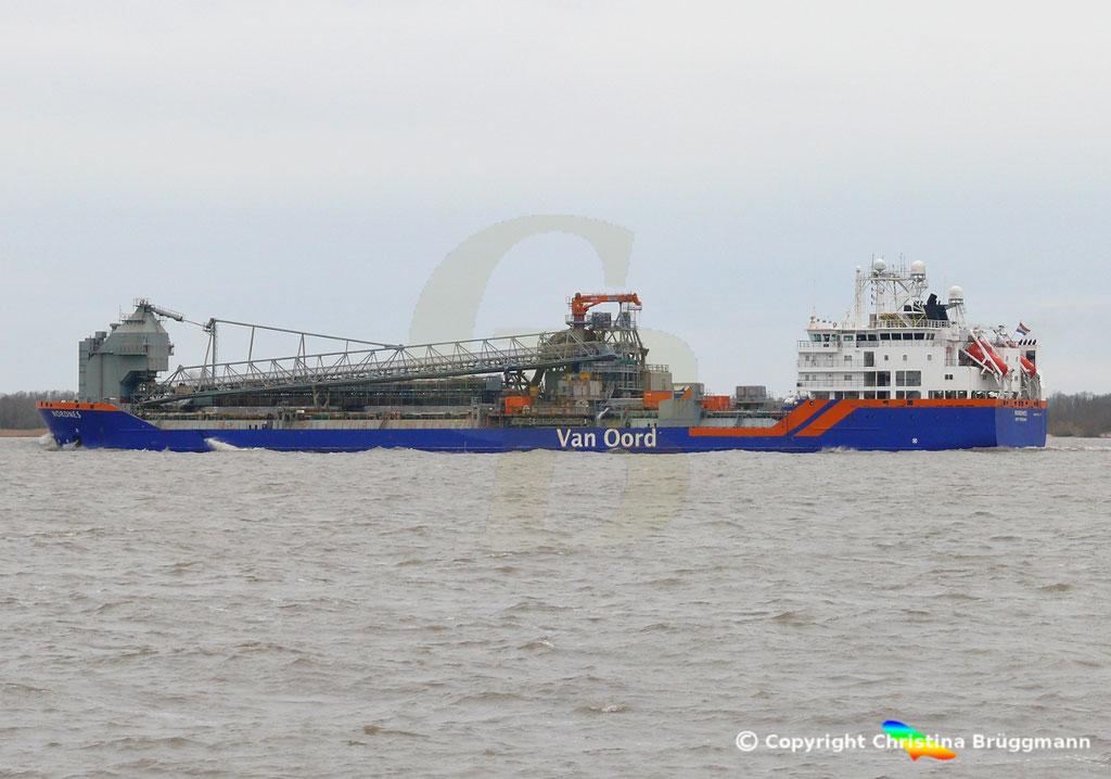 Fallrohrschiff/ Bulkcarrier NORDNES, Elbe 06.03.2019,  BILD 5