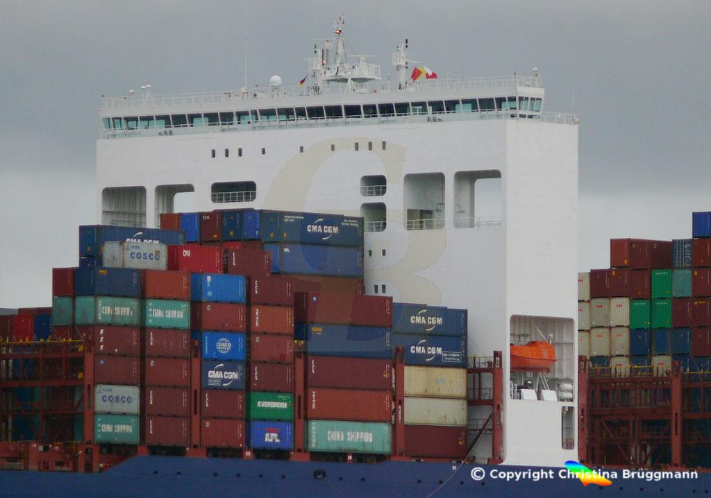 Containerschiff APL CHANGI, Dekchaus nach Verlängerung,Elbe 10.03.2019,  BILD 4