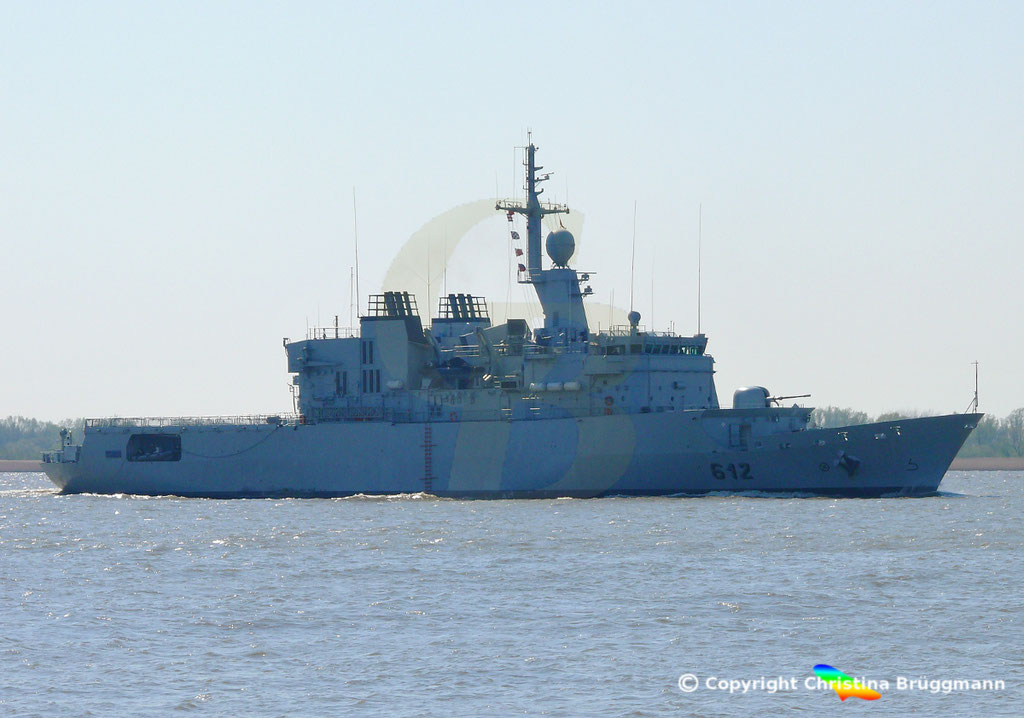 Marokkanische Fregatte HASSAN II (F-612), Elbe 15.04.2019,  BILD 2