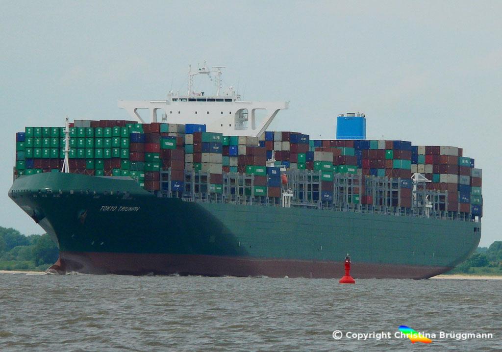 Containerschiff TOKYO TRIUMPH, Elbe 06.06.2017 / BILD 2