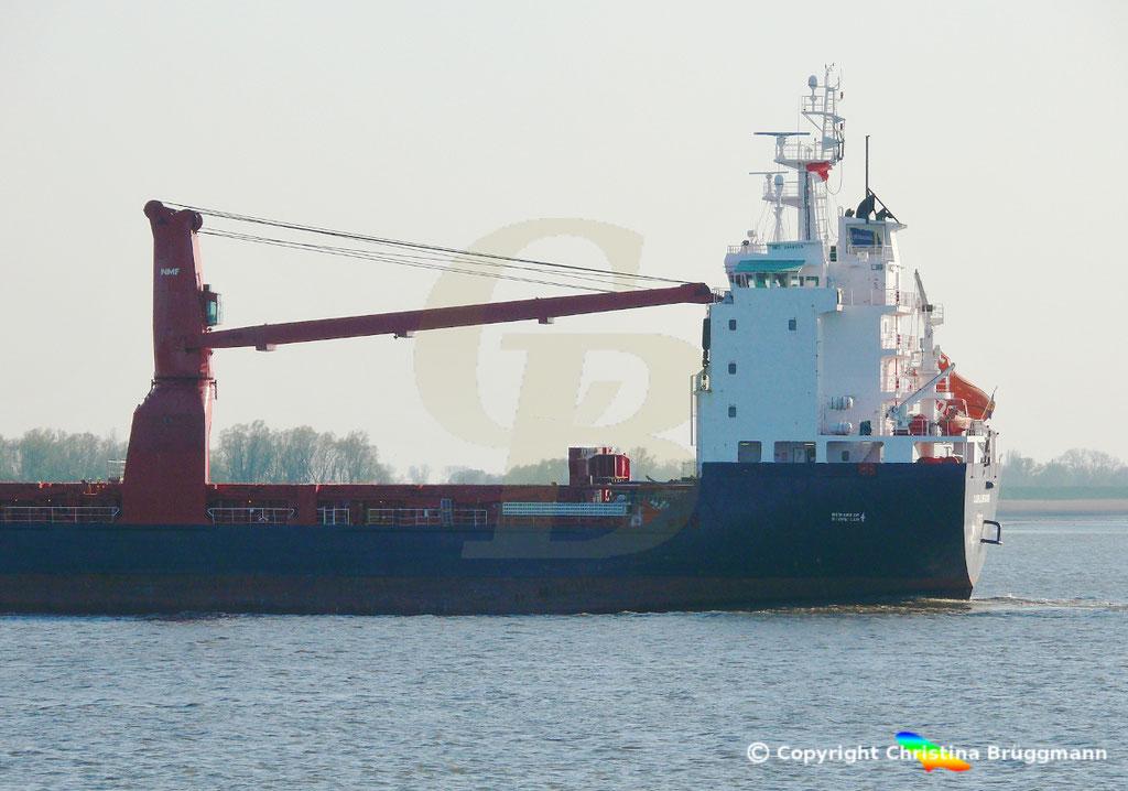 Schwergutfrachter CLAUDE A. DESGAGNES, Elbe 16.04.2019,  BILD 4