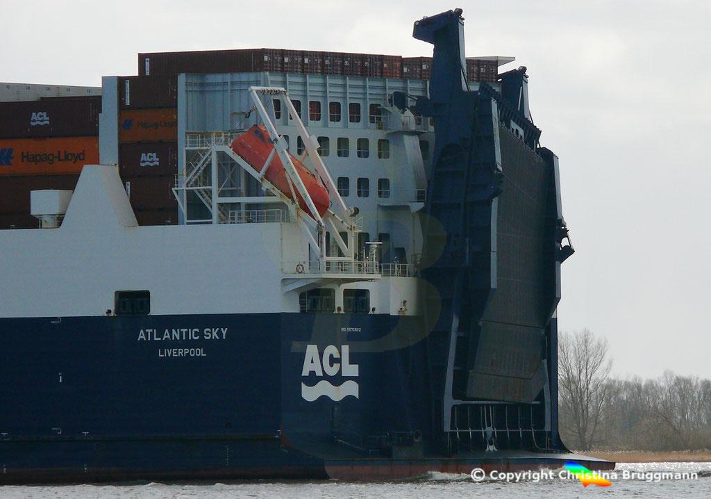 Con-Ro Frachter ATLANTIC SKY; Elbe 19.03.2019,  BILD 6