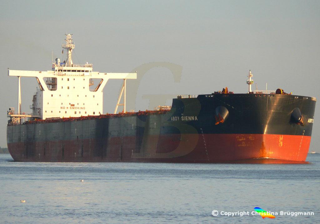 Bulk Carrier ABOY SIENNA, Elbe 17.09.2018, Bild 3