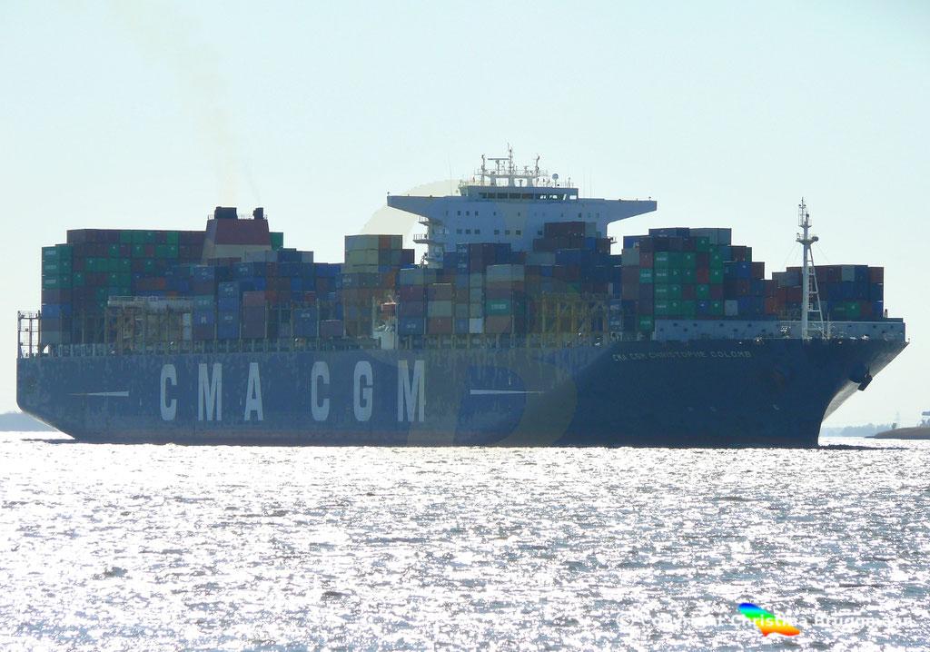 Containertschiff CMA CGM CHRISTOPHE COLOMB, Elbe 01.04.2019,  BILD 1