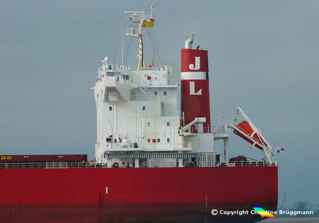 Bulk Carrier ITALIAN BULKER, Elbe 13.04.2019,  BILD 9