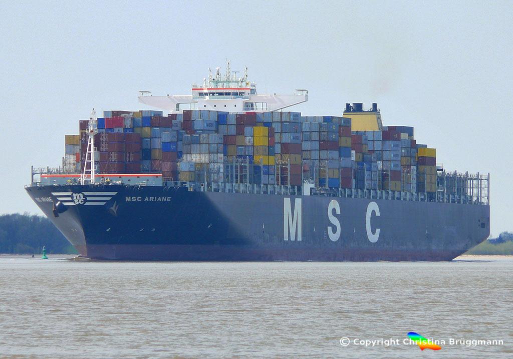 """Containerschiff """"MSC ARIANE""""  Elbe 18.04.2015 / BILD 1"""