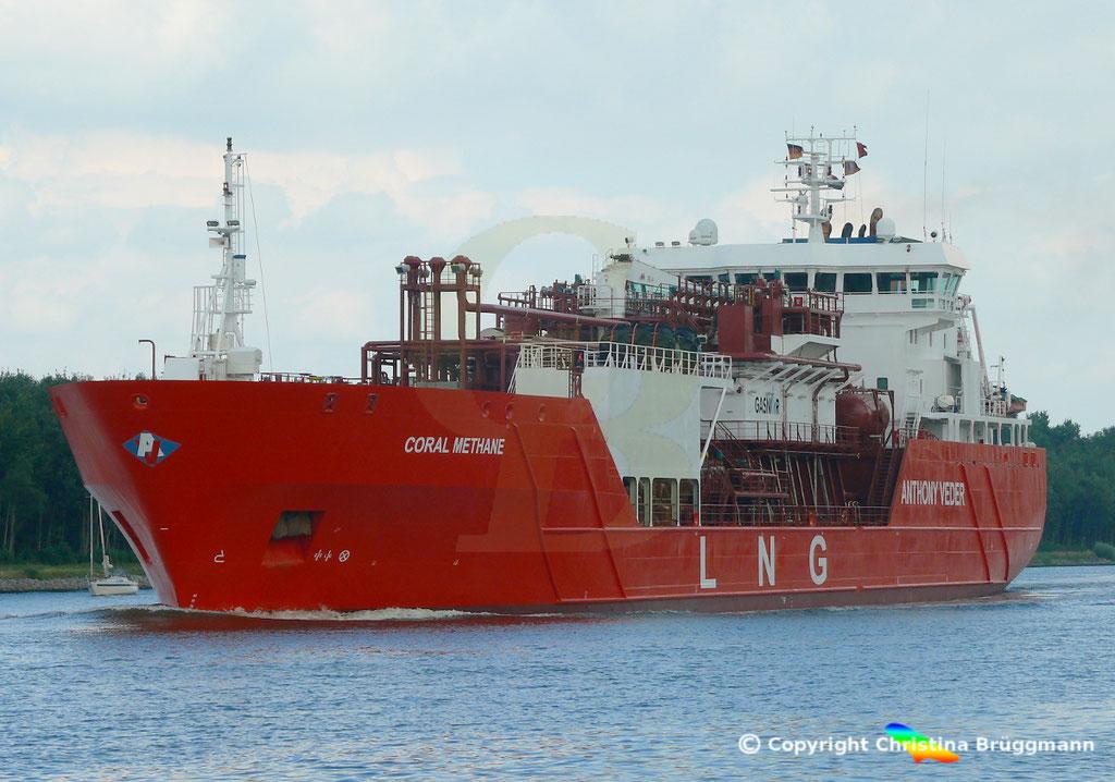 LNG tanker CORAL METHANE, Nord-Ostsee Kanal 14.08.2018,  BILD 2