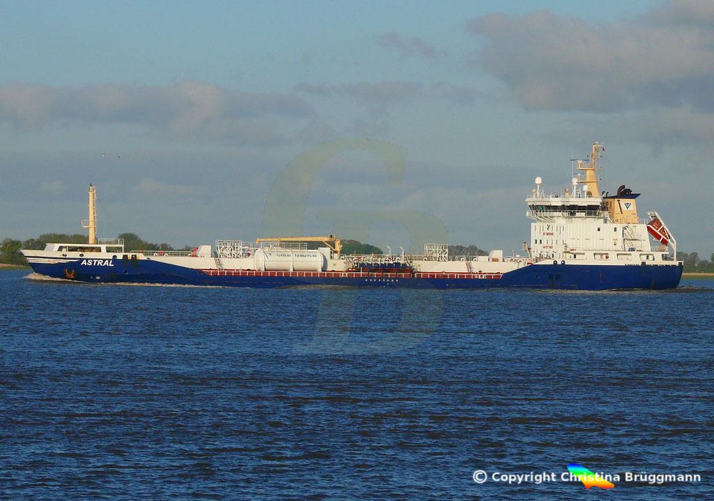 Chemie-/ Öltanker ASTRAL, Elbe 12.05.2019/ BILD 3