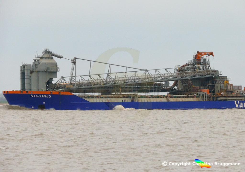 Fallrohrschiff/ Bulkcarrier NORDNES, Elbe 06.03.2019,  BILD 4
