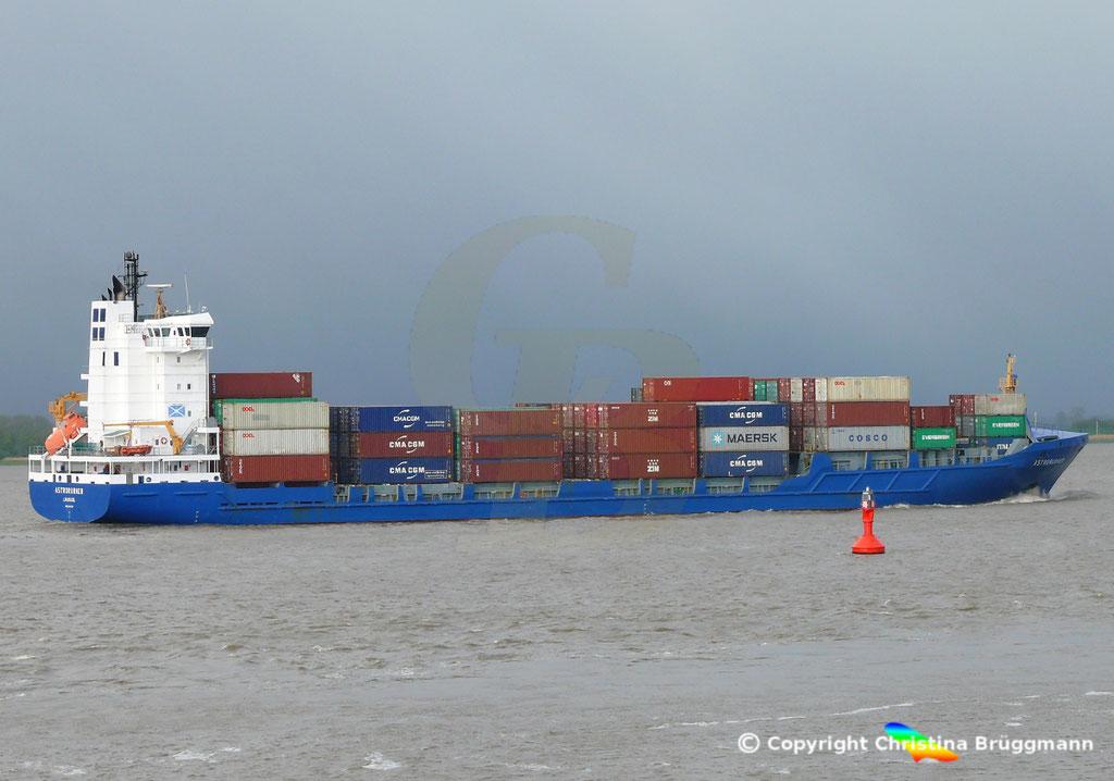 Containerschiff ASTRORUNNER, Elbe 04.05.2019 /  BILD 4