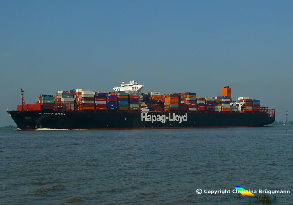 Hapag-Lloyd Containerschiff ANTWERPEN EXPRESS, Elbe 21.08.2015, BILD 4