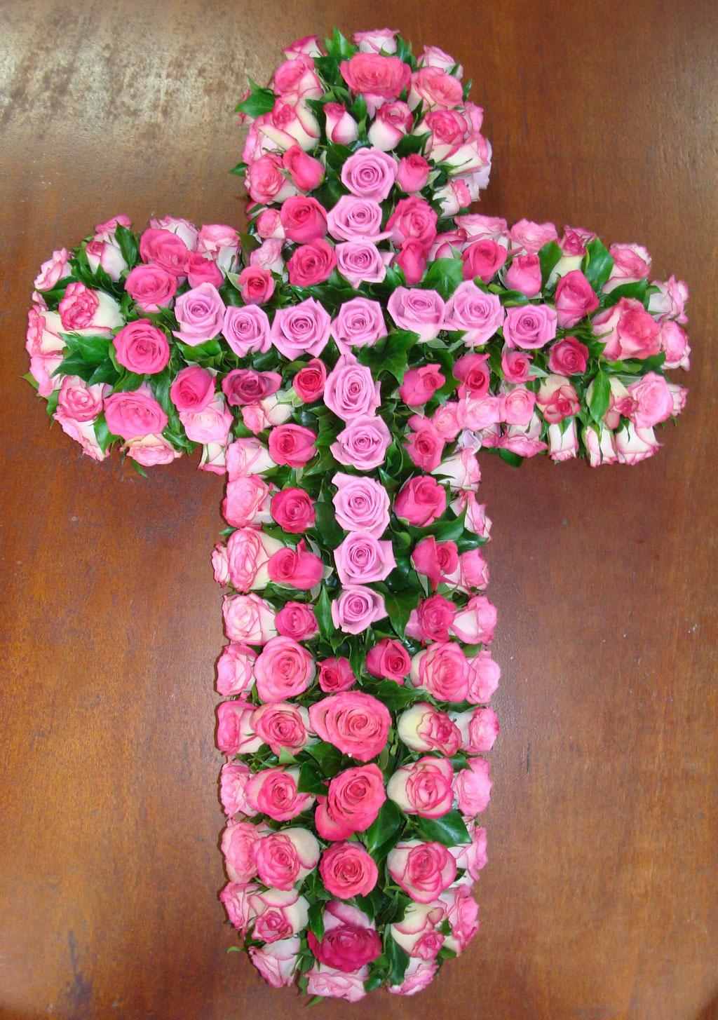 C1-La Croix de roses variées