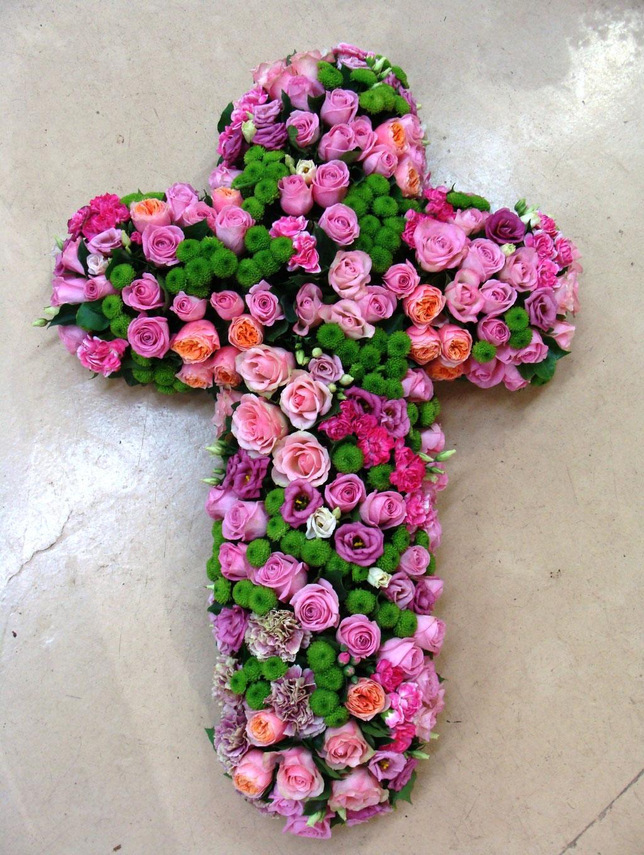 C2-La Croix de fleurs variées