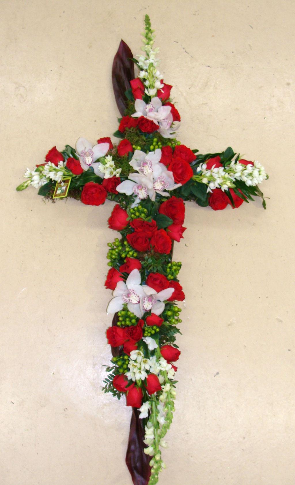 C6-La Croix moderne en fleurs variées