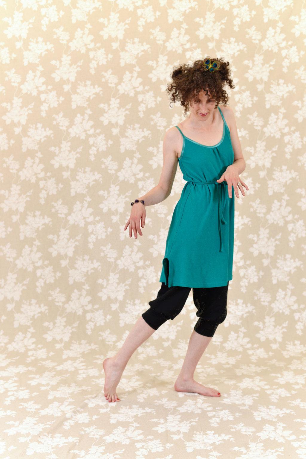Kleid BIO-Smeralda + Hose BIO-Elani: Bio-Baumwolle, Hanf, Jersey