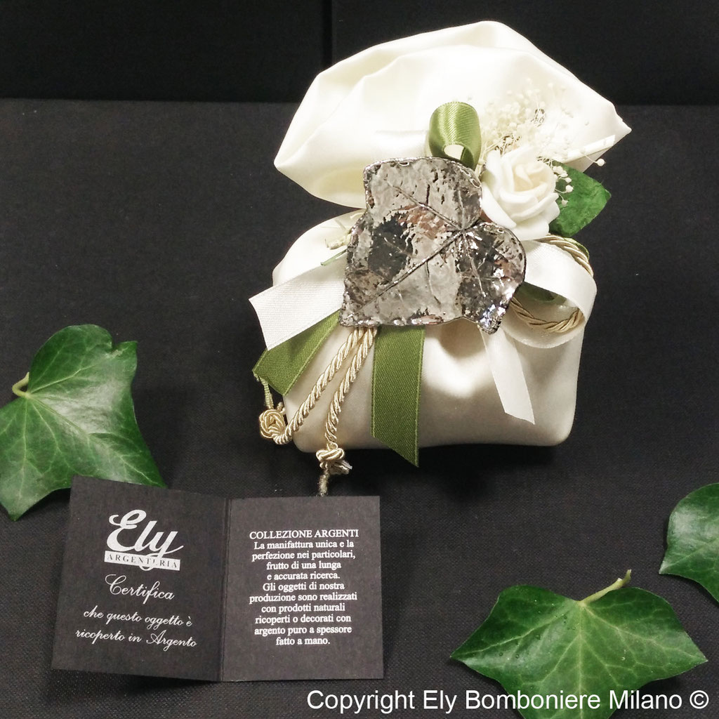 Sacchetto in Raso cm 10x13. Foglia di Edera vera ricoperta in argento puro a spessore.