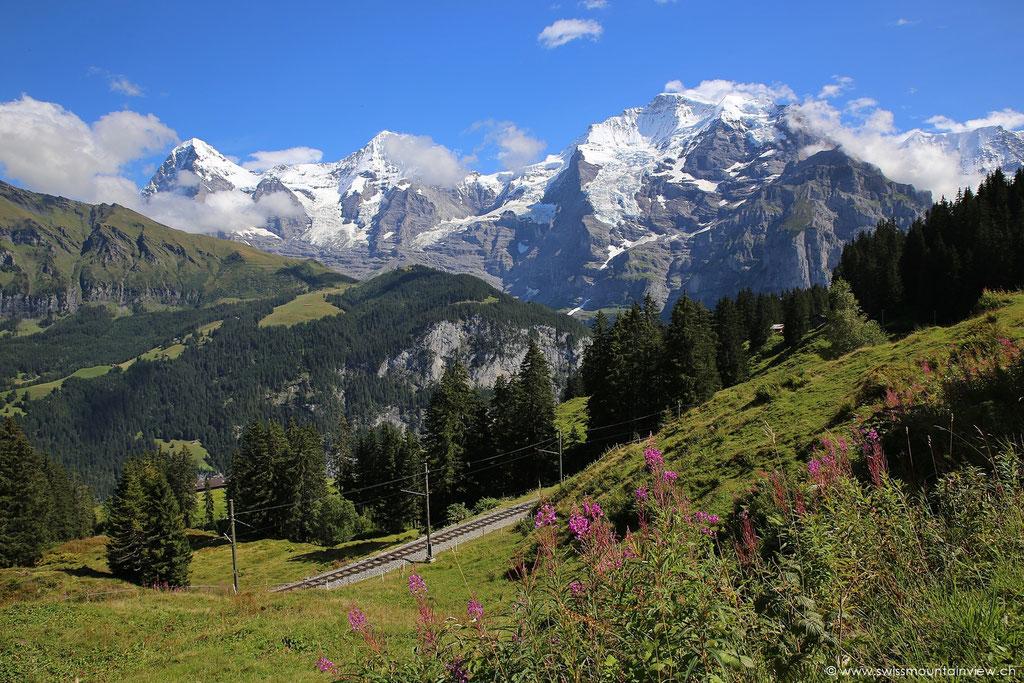 ...allerdings kann man dann nicht einfach mal kurz inne halten und diese grandiose Bergwelt bestaunen.