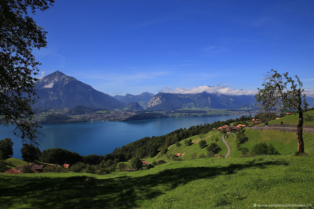 Sigriswil, Blick Richtung Stockhornkette und Thunersee