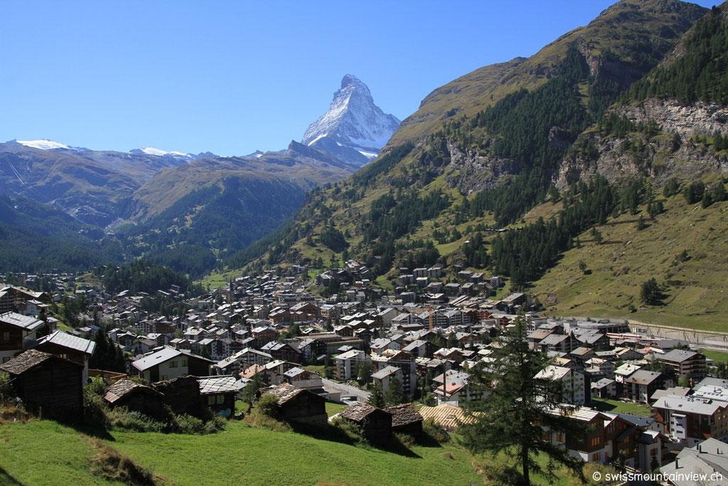 Weekend in Zermatt. Mitte September haben wir kurzfristig ein Wochenende in Zermatt gebucht und vom traumhaft schönen Wetter profitiert.Vom Berner Oberland ist man via Spiez, Lötschberg in rund 2 Stunden in Zermatt.
