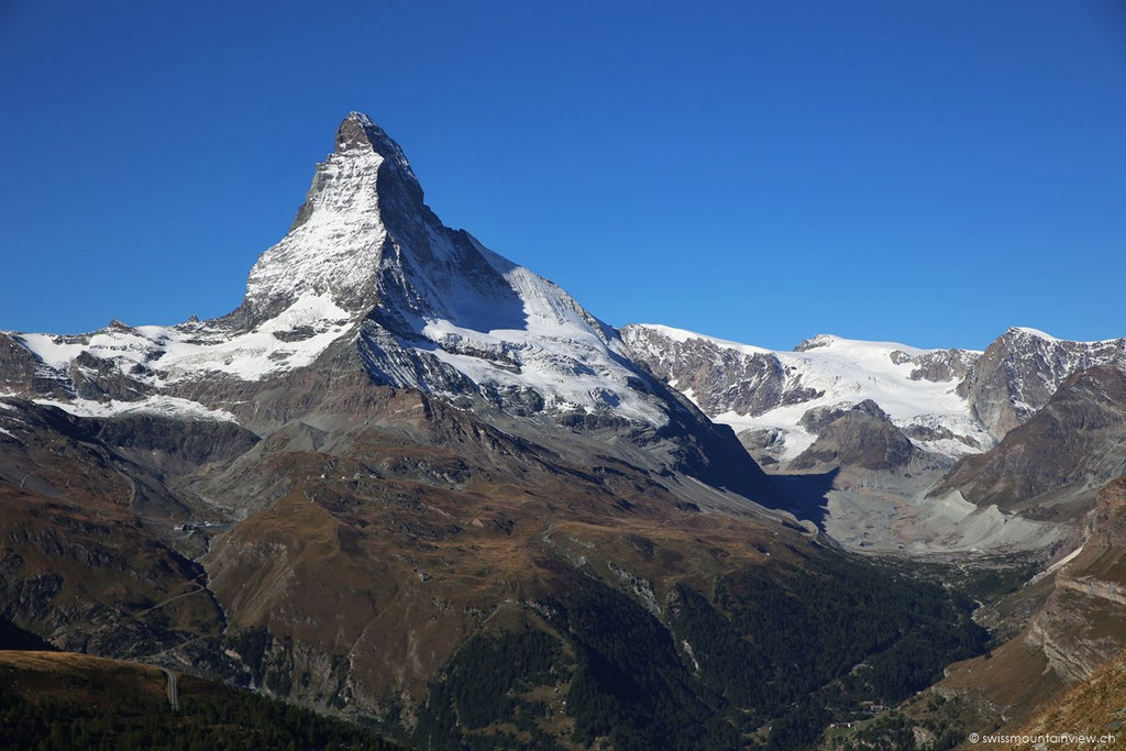 mit dem Matterhorn im Rücken,