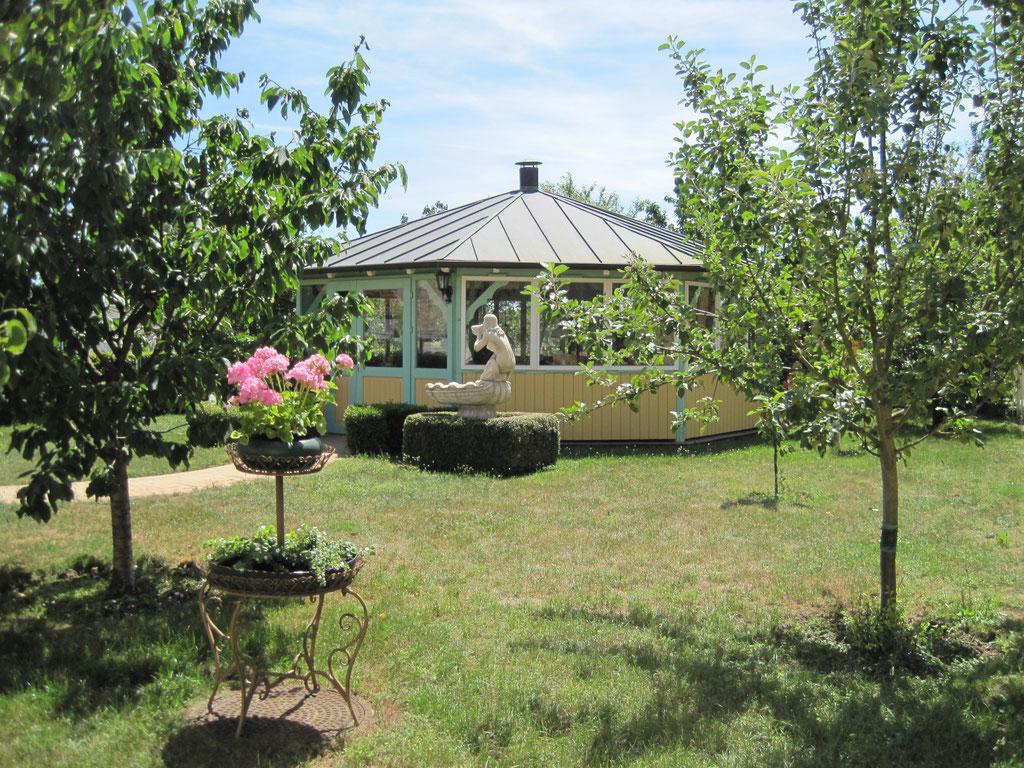 Der Pavillon im Garten des Ruhesitz Golzows