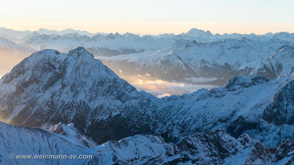 Hoher Kamm, im Hintergrund die Stubaier Alpen