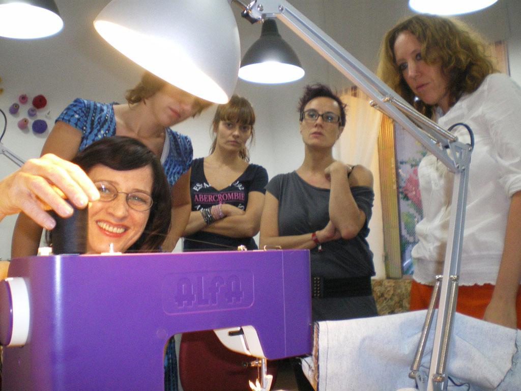 con mis alumnas impartiendo un curso de kimono en 2011