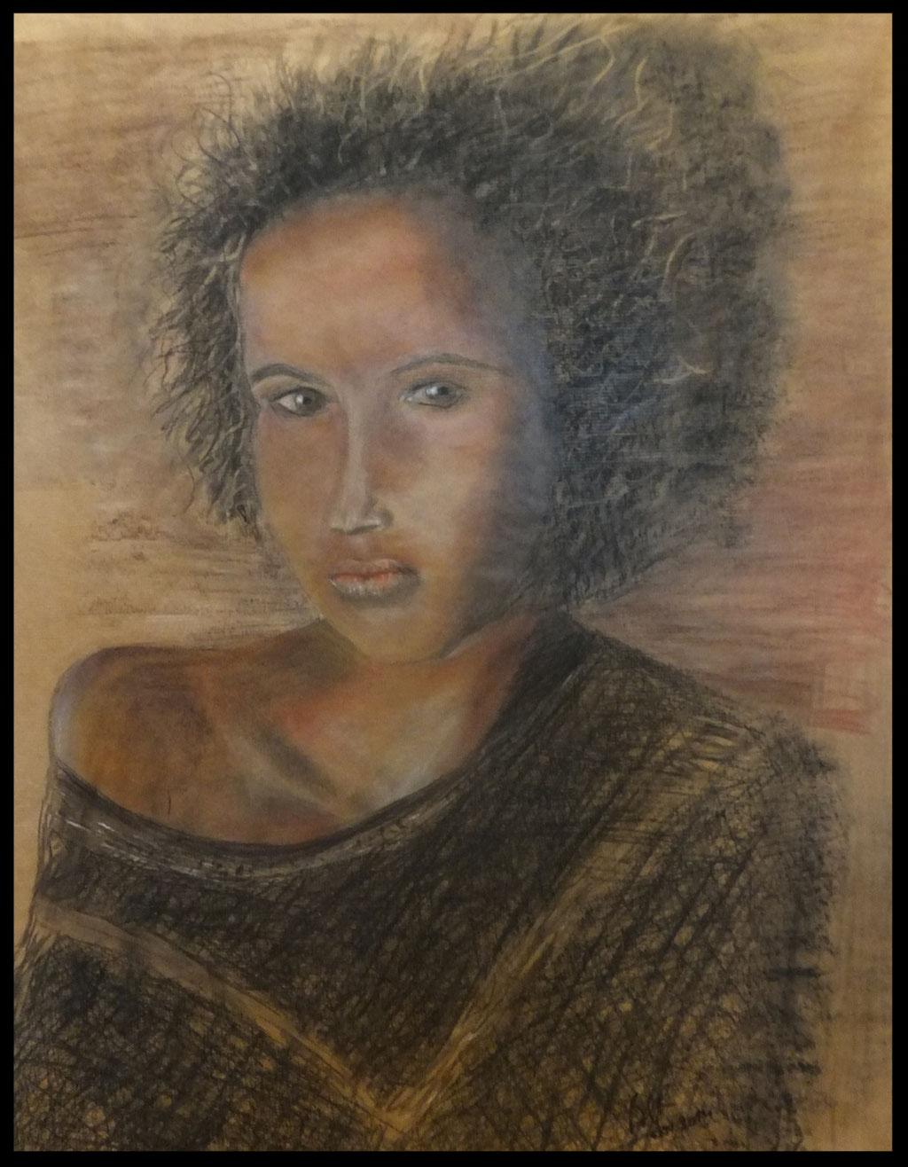 Fusain , crayon, pastel craie  sur papier  kraft 58 x  75 cm  par B C Ruiz d'après photo . Encadré. 200€