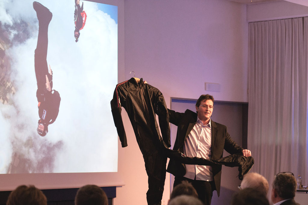 world record holder and motivational keynote speaker Redner | Referent | Keynote Speaker | Gastredner | Mut + Motivation: Marc Hauser, erfolgswelle® AG (Foto Eve Kohler)