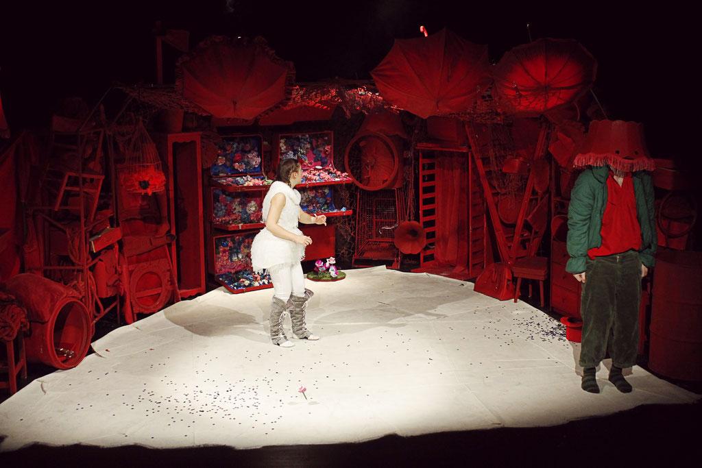 2014 Bühne & Kostüm. 'Hase & Schildkröte' Regie: Alexander Frank, Bühne, Kostüm & Licht: Teresa Katharina Binder | Landestheater NEUSS