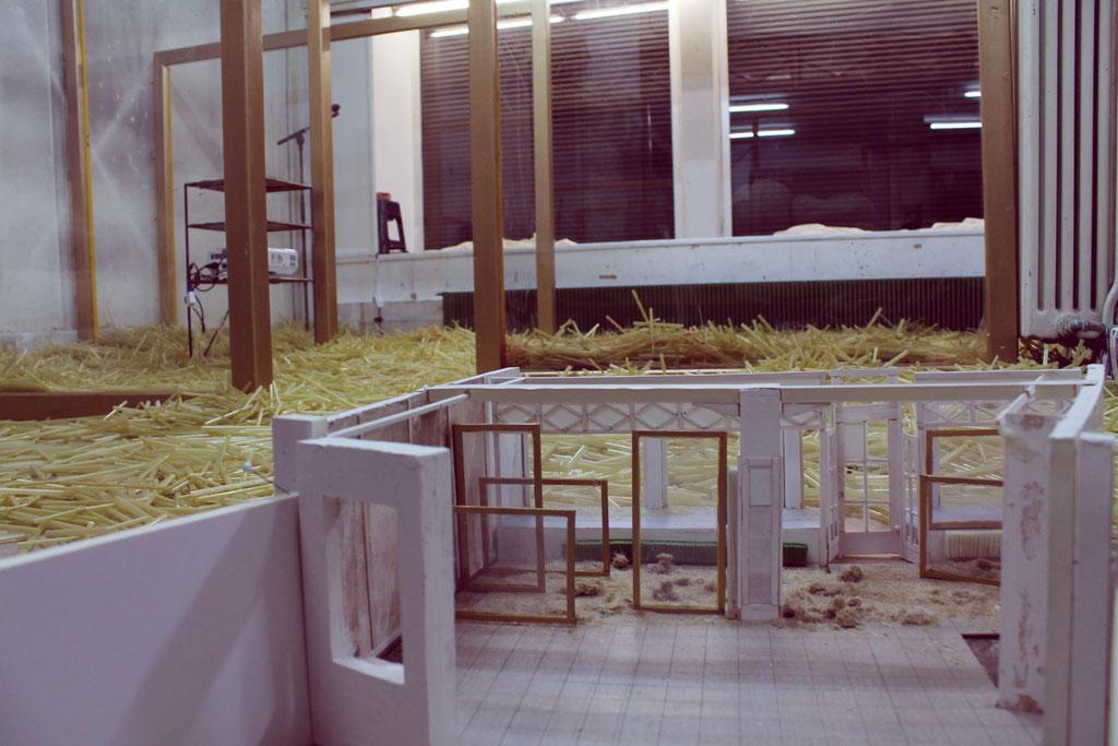 2012 Bühne. 'Fürchtet euch nicht!' Bühne & Licht: Teresa Katharina | Regie: Marcel Grissmer, Christopher Kriese, Miriam Walther Kohn | ZÜRICH