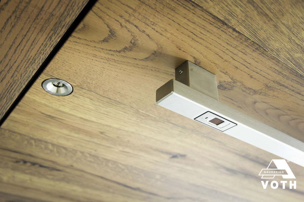 Fingerscan im Griff integriert. Jetzt im Haustürstudio in Düren live erleben.