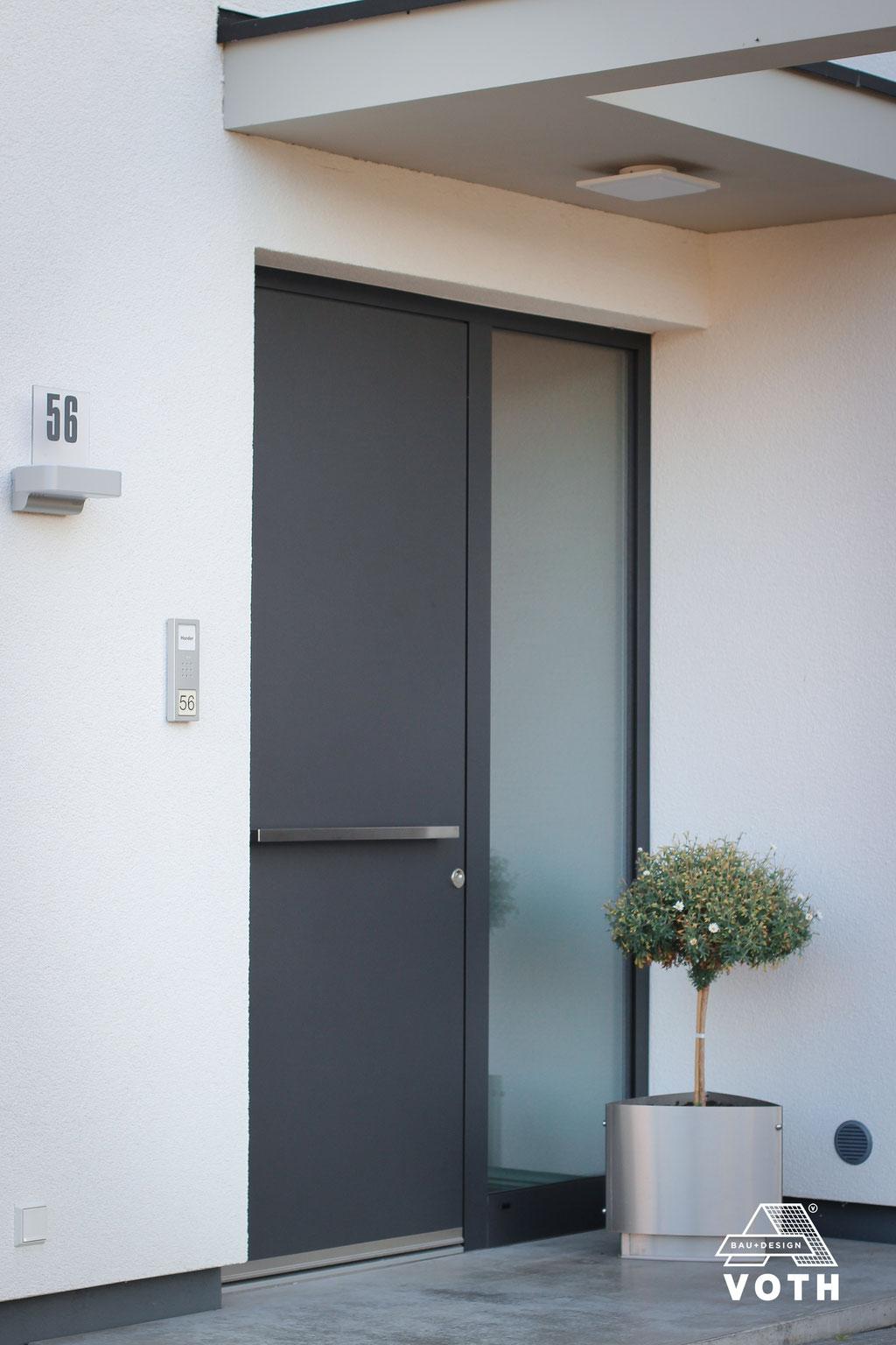 Haustüre mit Seitenteil
